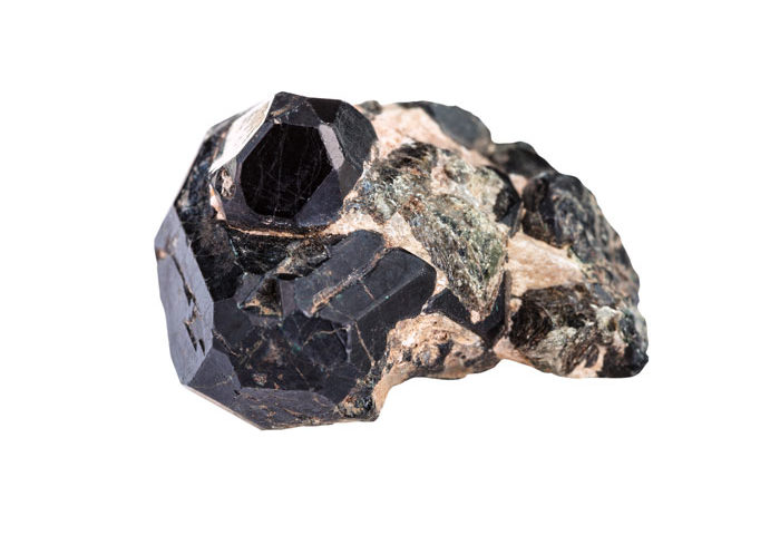 piedra espinela negra
